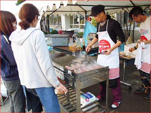 Serving U.S. steak in Miyagi