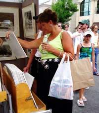 Art Fair Booth Shopper
