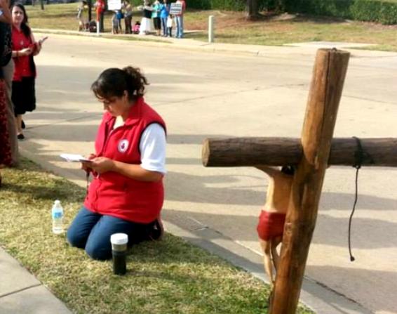 Prayer Volunteer at 2014 40 Days for Life-Dallas Vigil
