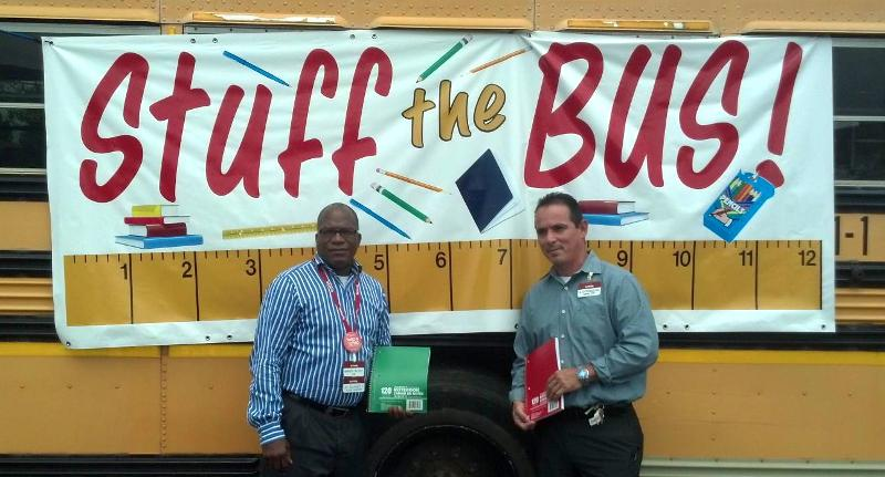 Stuff Bus volunteers