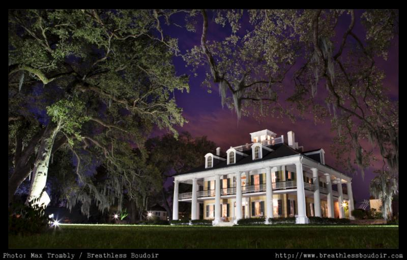 Houmas House at Night