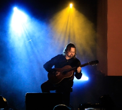 Spicer Performs at 2011 Covenant Awards