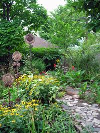Buffalo sculptor shares tips on cheap gardening