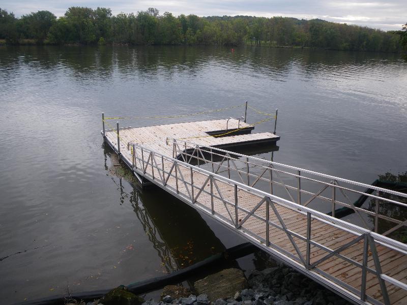 Halfmoon dock