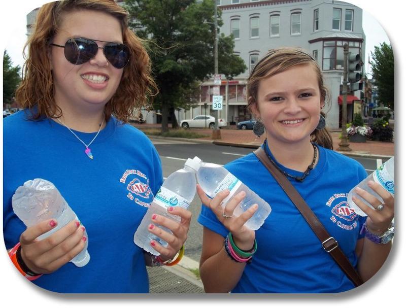 SC Volunteers w/ Water