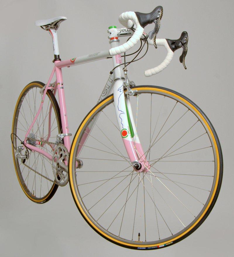 Giro 3/4 view