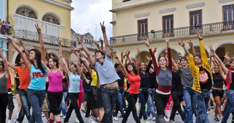 Peace Love Dance Gleeks