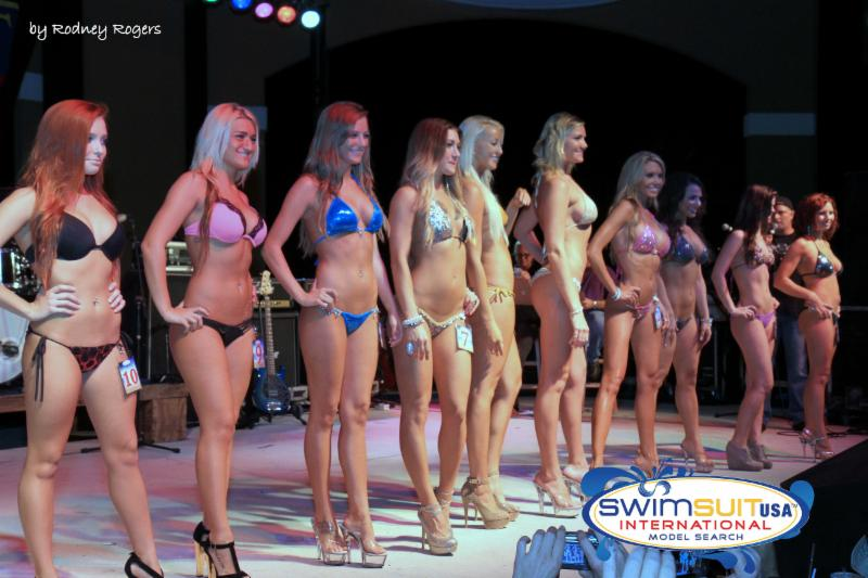 Amateur women s fitness competitions
