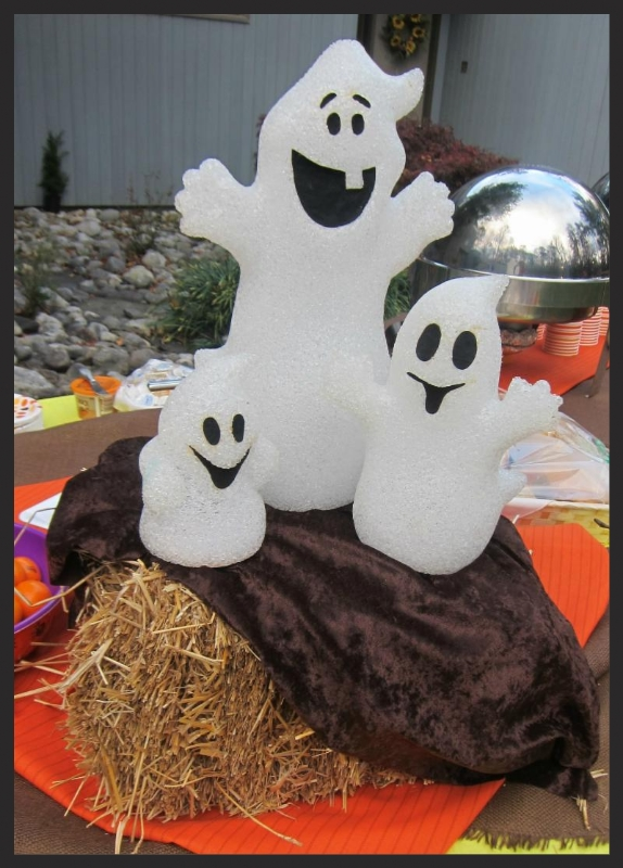 S'More Halloween Fun trio of ghosts