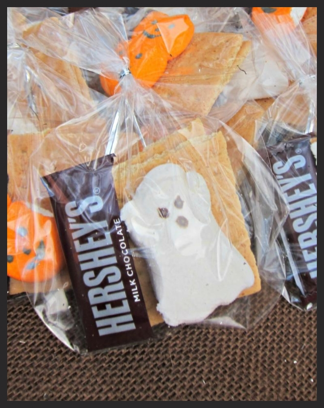 S'More Halloween Fun s'mores kit with ghost Peeps