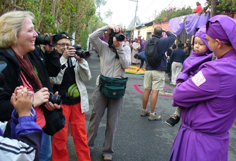photogs shooting cucuruchos