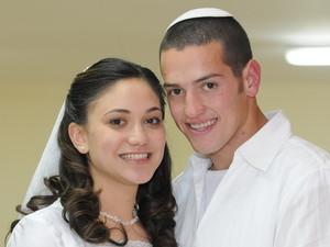 Aharon Karov wedding pic