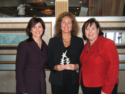 Michelle Wright of WTAE-TV, Mary Lee Gannon and Beth Caldwell of PPW - Women of Integrity Award