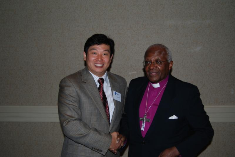 Dr. Yang meeting with Archbishop Desmond Tutu after his release from Chinese prison
