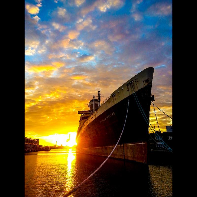SS US at sunrise Oct 2014