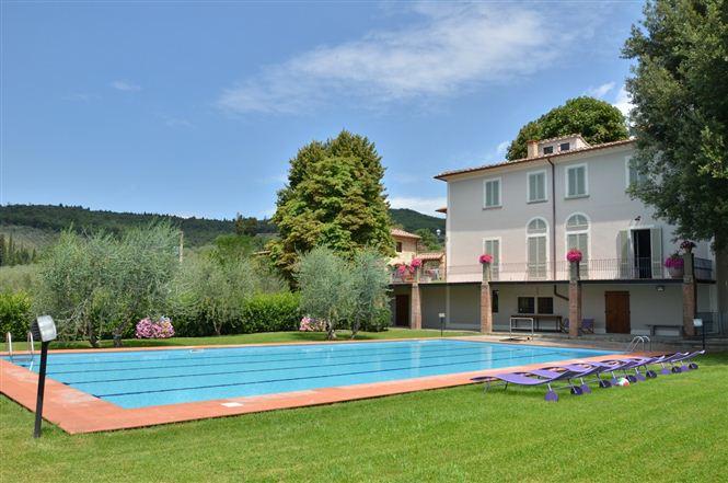 Borgo i Vicelli pool