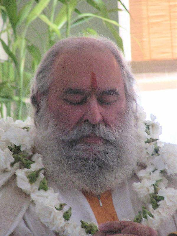 Guruji - Headshot4