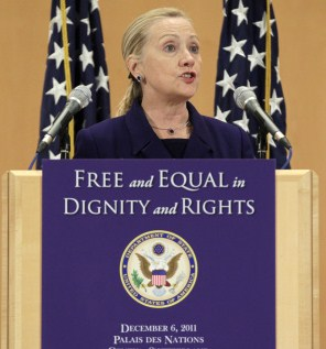 Clinton proclaims gay rights worldwide