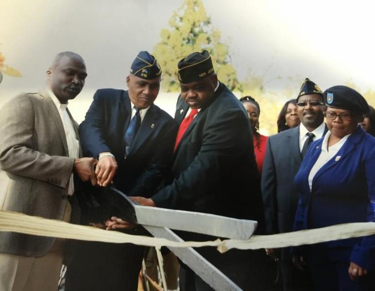 Mayor Mapp at Plfd Veterans' Center Ribbon Cutting Ceremony