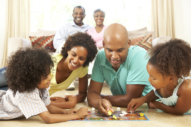 family_board_game.jpg