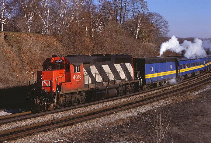 Steam Generator Car and GP40