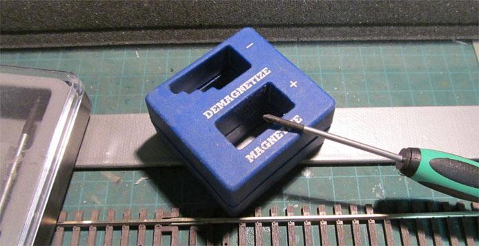 Screwdriver magnetizer