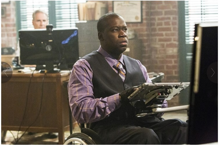 NCIS Character using the Mount N' Mover