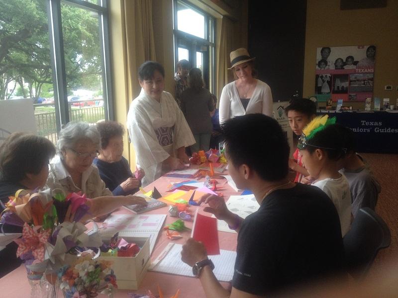 Origami volunteers
