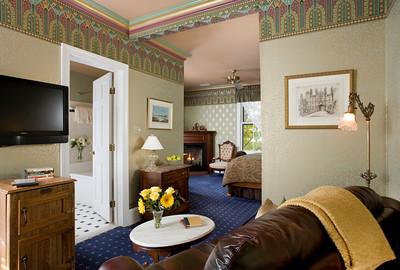 Hampton Court Suite
