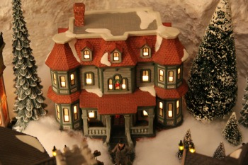 QV Lighted House