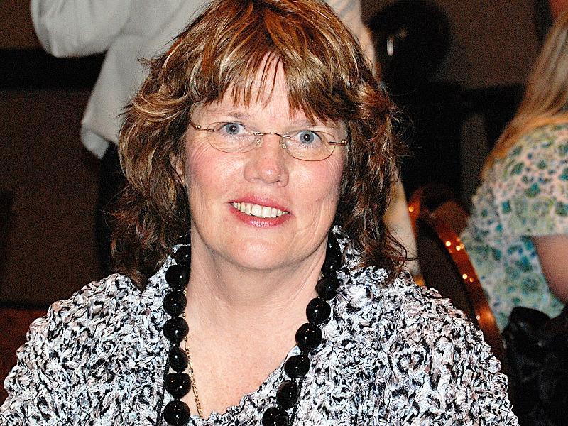 Hipple Award Winner Joan Kaywell
