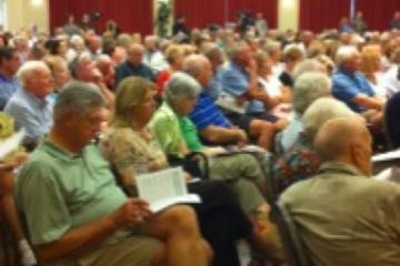 audience at amendment forum