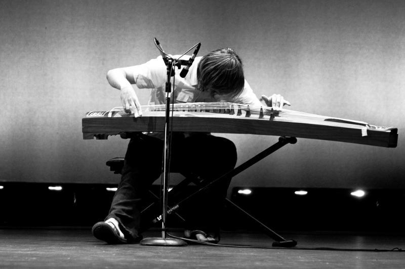 Kris Morron - guzheng - low rez