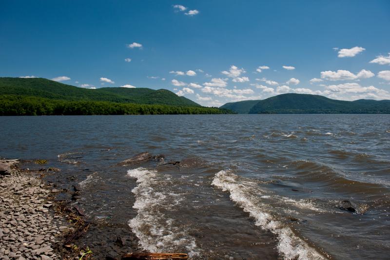 Hudson River (Shenkman Curtis)