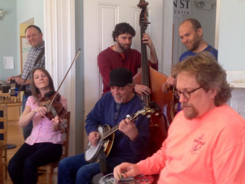Jerry Douglas performs with Erica Brown, Carter Logan, Steve Roy and Matt Shipman.