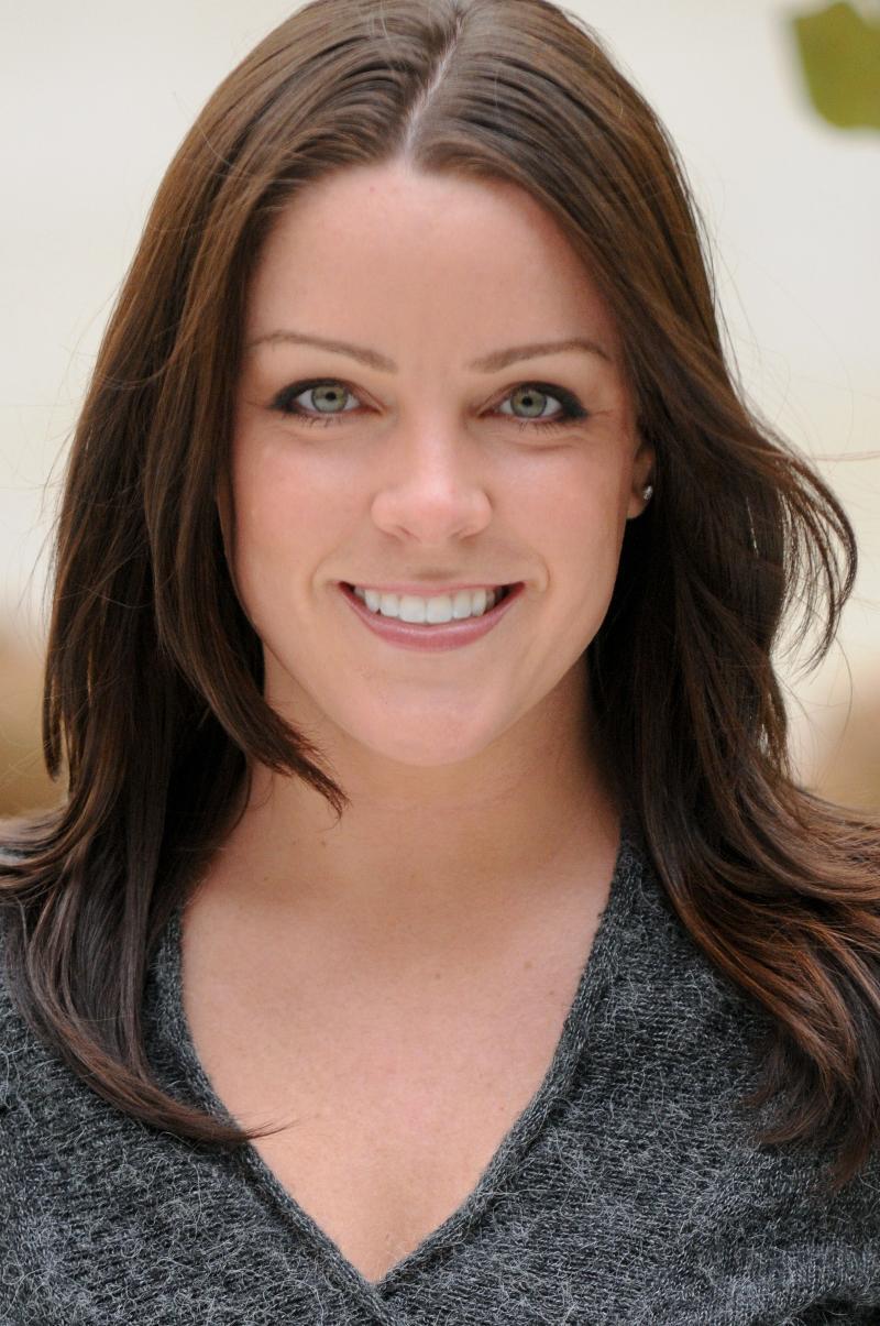 Dr. Katherine Barnes Headshot