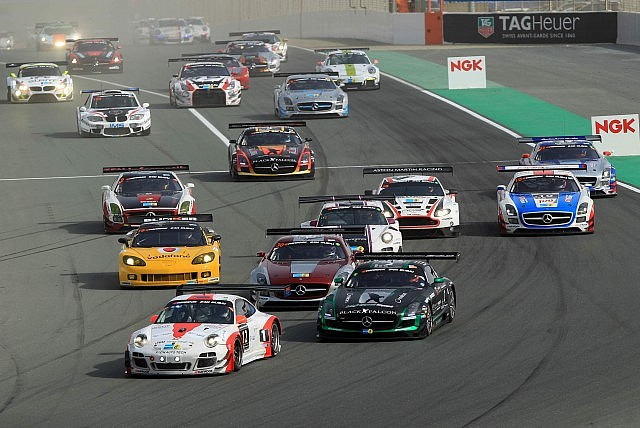 Start of the the 2015 Hankook 24 Hours of Dubai at the Autodrome