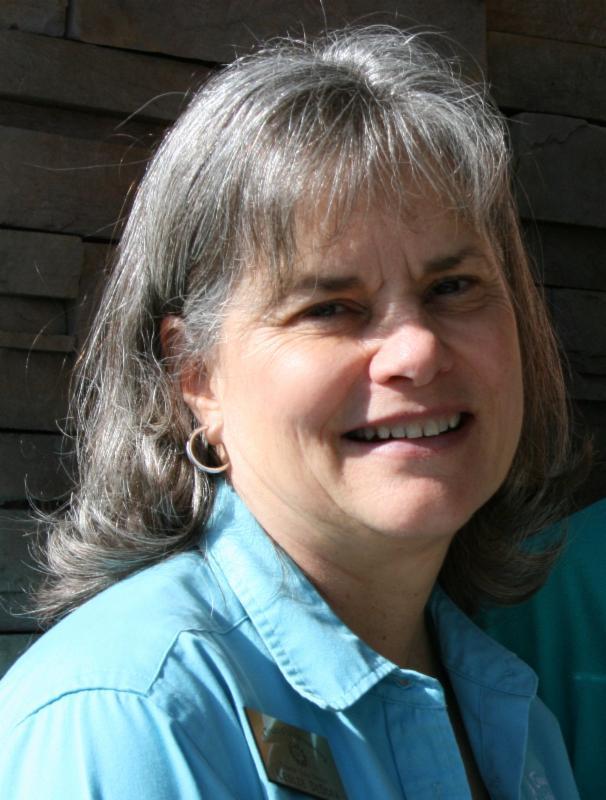 Leslie DeDora